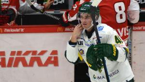 Simon Backman spelar ishockey i Björklöven.