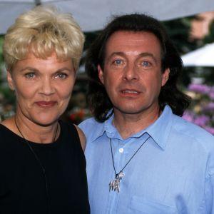 """Kirka ja hänen vaimonsa Paula Nummela """"Puutarhajuhlat""""-ohjelmassa 1997"""