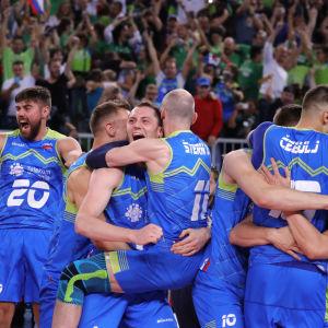 Slovenien spelar om EM-guld i volleyboll.