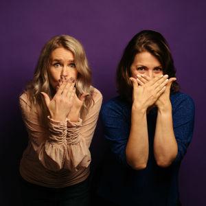 Hannah Norrena och Eva Frantz ser luriga ut.