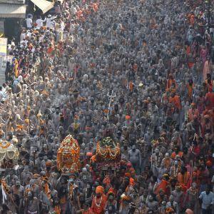 Kumbh Melan viettoa Haridwarissa keskiviikkona.