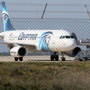 Det kapade planet på flygplatsen i Larnaca.