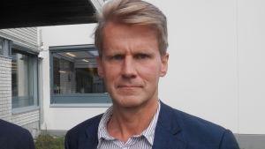 Bildningsdirektör Jan Levander och rektor Peter Lindqvist i Jakobstad
