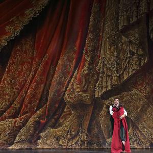 Andrea Caré (Cavaradossi) ja Aušrinė Stundytė (Tosca) oopperassa Tosca (Kansallisooppera 2018)