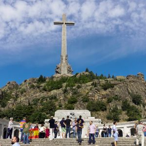 Valle de los Caídos, De stupades dal, där Francisco Franco är begravd.