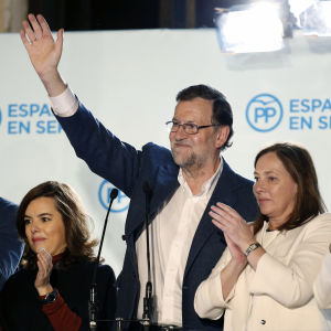 Partido Popular med premiärminister Mariano Rajoy i spetsen firar segern i det spanska parlamentsvalet.
