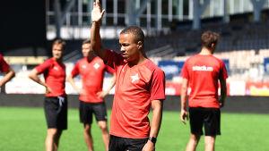 Tiquinho i HIFK under en träning 2020.