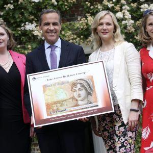 Mark Carney från Bank of England, Stella Creasy och Caroline Criado-Perez lanserade den kommande 10-pundssedeln