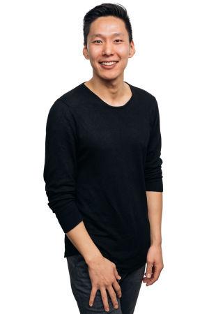 Kuvassa RSO:n alttoviulisti Ezra Woo