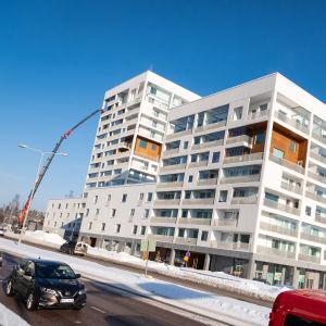 Pohjola-taloon Helsingin Niemenmäessä rakennetaan uusia asuntoja