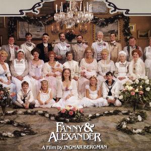 Familjeporträtt på hela familjen Ekdahl i Fanny och Alexander.