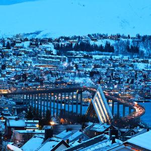 Iltainen näkymä Tromsasta.