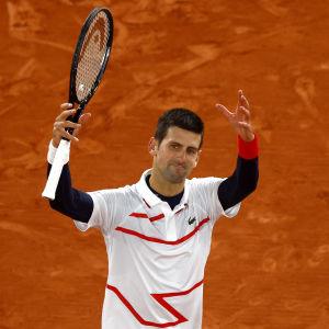 Novak Djokovic klar för semifinal i Franska öppna.