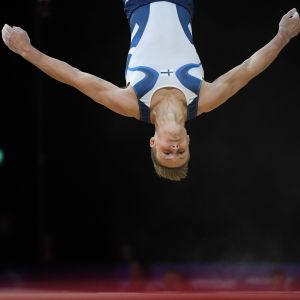 Oskar Kirmes, redskapsgymnast