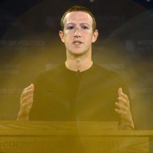 Mark Zuckerberg luennoi lokakuussa 2019.