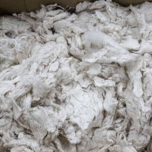 Tekstiilien kemiallinen kierrätys  Vtt bioruukki, valmis tekstiilikuit pahvilaatikossau
