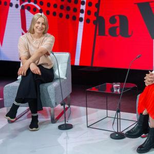Viimeinen sana ohjelma, vieraina Iltalehden lifestyle-toimituksen esimies Piia Rantio ja videotoimittaja Emma Karasjoki.