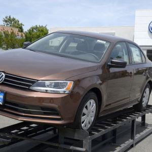 Bil vid en Volkswagen-återförsäljare i Kalifornien den 21 april 2016.