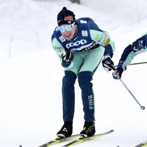 Niskanen ja valmentaja Olli Ohtonen harjoittelemassa Kuusamon Rukalla torstaina 29. marraskuuta 2019. Maastohiihdon ja yhdistetyn maailmancup käynnistyy Rukalla 29. marraskuuta.