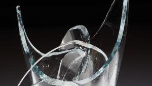 Rikkinäinen lasi