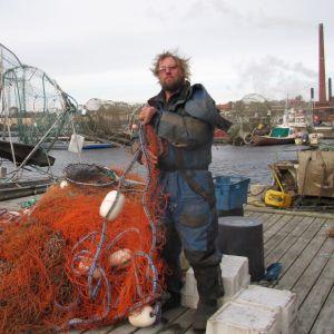 Kotkalaisen kalastaja Antero Halosen pyydykset ovat jo maissa. Uusi lohenpyyntikausi käynnistyy ensi keväänä.