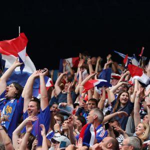 Franska fans under dam-VM 2019.