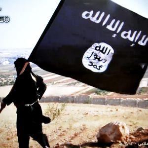 Islamiska statens flagga på en propagandavideo.