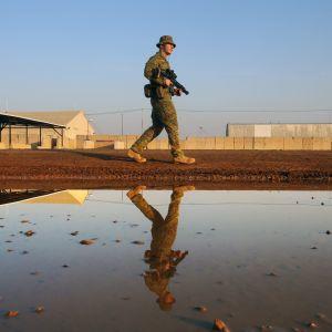Camp Taji norr om Bagdad är en av den USA-ledda militärkoalitionens största baser i Irak.