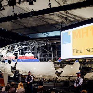 Rekonstruktion av det plan som sköts ner i ukrainskt luftrum
