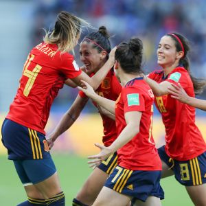 Spanien forar sitt tredje mål mot Sydafrika i dam-VM i fotboll 2019.