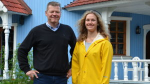 Tomi Lohikoski och Hanna Eklund vid mumundalen