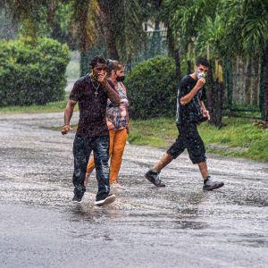 Hurrikaani Idan tuomia sateita Kuubassa.
