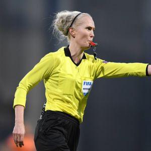 Lina Lehtovaara.