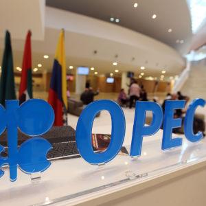 Öljyntuottajamaat pitävät öljymarkkinoiden tilannetta koronakriisin takia edelleen epävarmana.
