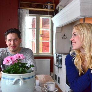 Eddie och Andrea Österåker i köket på Åppsto.
