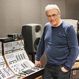 Andrew Bentley, Serge, syntetisaattori,
