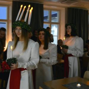 Åbolucia 2017 Jessica Lindholm med följe.