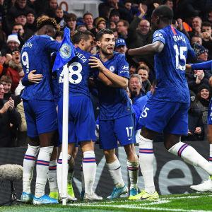 Chelsea-spelare firar.
