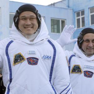 Astronauten Norishige Kanai tillsammans med kosmonauten Anton Shkaplerov