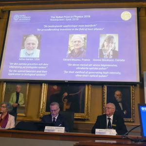 Presskonferens för årets Nobelpris i fysik