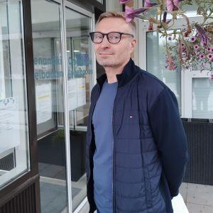 Krister Lindman är servicechef inom hemvården i Borgå.