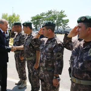 Turkiets president Recep Tayyip Erdoğan besöker polisens specialstyrkor i Ankara den 29 juli 2016.