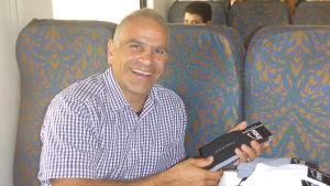 Amir stöder Kristina Paltén som löper ensam genom Iran.