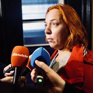 Den förra estniska undervisningsministern Mailis Reps intervjuas.
