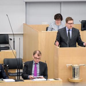 Alexander Stubb och Juha Sipilä i riksdagen