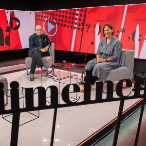 Laura Ahva ja Esa Mäkinen.