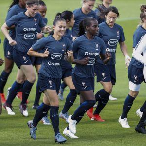 Frankrike spelar fotbolls-VM på hemmaplan.