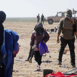 Civila som flydde strider i området kring byn Baghuz den 3 februari.