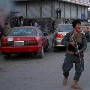 Oroligheter i Ghazni i Afghanistan sedan talibanrebeller inledde en massiv attack i augusti 2018.