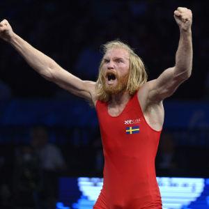 Zakarias Tallroth firar sitt VM-brons 2015.